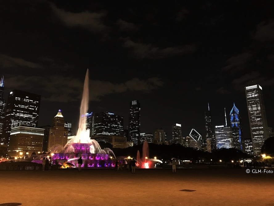 IL-2017-08-08-ChicagoBuckinghamFountain-5642