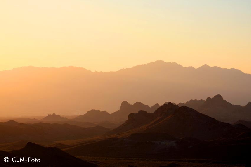 sunset-black-mountains
