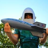 Der Raketenmann und seine Startrampe